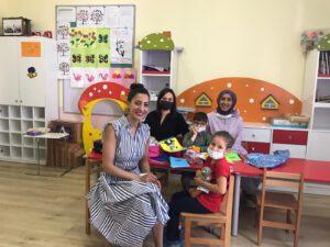 İstanbul'un Kağıthane ilçesinde bulunan 4-6 yaş grubu özel gereksinimli (otizm, Down sendromu, hafif-orta- ağır düzeyde zihinsel yetersizlik vb.) çocukların eğitim gördüğü Pervin Zülfikari Özel Eğitim Anaokulu ziyaretimiz esnasında öğrencilerimize çanta, kırtasiye malzemeleri, oyuncak, dikkat güçlendirme setlerini teslim ettik.