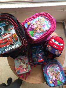 20 Kız ve 22 erkek toplamda 42 olmak üzere özel gerkesinimli öğrencilerimize teslim edilmek üzere okul çantalarını özenle hazırladık.